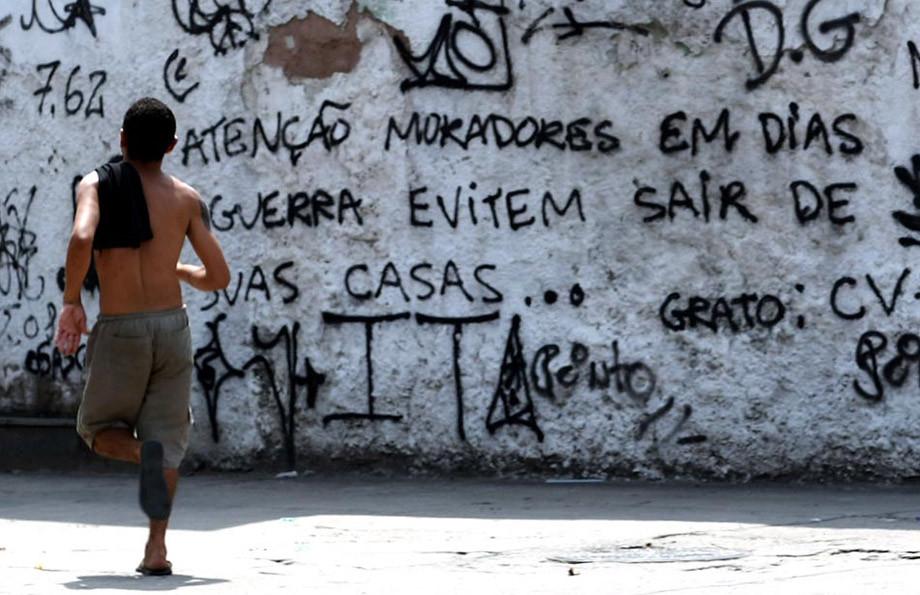 Vila Cruzeiro, Complexo da Penha, 25 de novembro de 2010, foto de Tasso Marcelo, AE